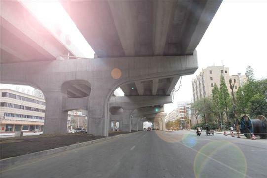 中铁八局 南昌市洪都大道快速化改造项目 1